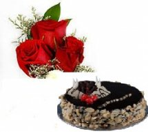 2 kg Black forest cake with 3 red roses