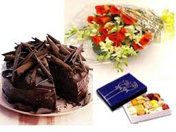 1/2 kg cake 6 flowers and 1/2 kg mithai