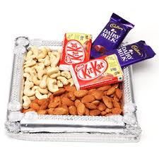 1/2 kg Dry fruits with 4 chocolates in Thali with 2 rakhis