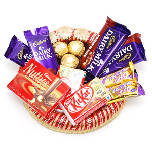 1 Nutties 4 dairy milk 2 5 star 3 ferrero in tray ( tray may vary)