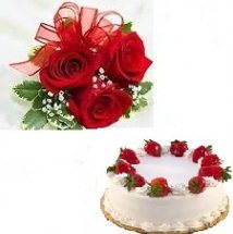 1 kg Strawberry Cake and 3 roses free