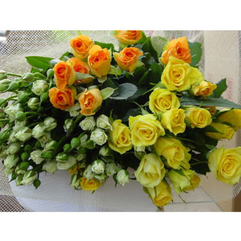 White yellow orange roses bouquet