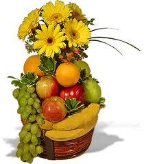 12 yellow roses vase + Basket of 2kg.fruits
