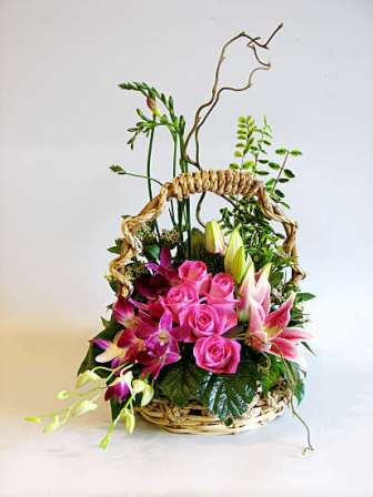 Basket of 15 Roses & 6 Orchids