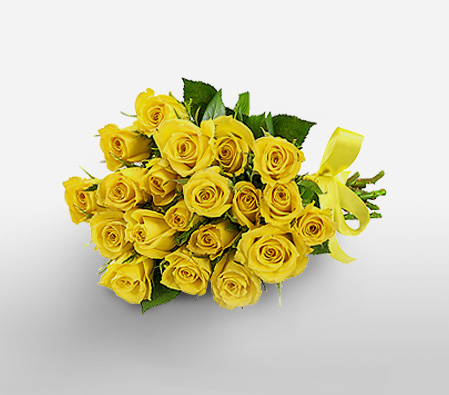 12 Yellow roses in a bouquet