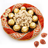 Ferrero rocher 9 pieces with cashews in a tray