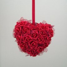 Hanging heart of 24 Red roses