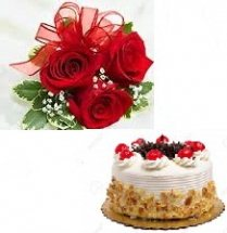 2 kg Strawberry Cake with 3 roses
