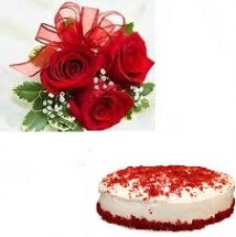 Half kg Strawberry Cake with 3 hand tied roses free