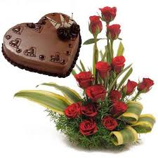 18 Red Roses basket 1 kg chocolate heart cake