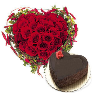 1 kg cake and 24 roses heart shaped