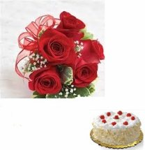 1/2 kg white forest eggless cake with 5 roses